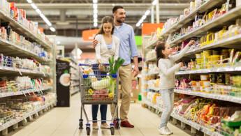 Διπλή νομοθετική παρέμβαση για τα τρόφιμα